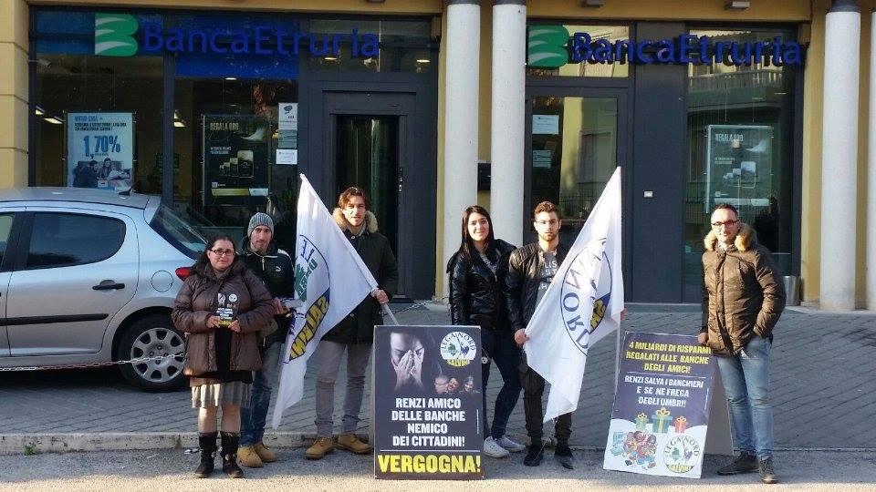 Presidi davanti a tutte le filiali Umbre di Banca Marche e Banca Etruria