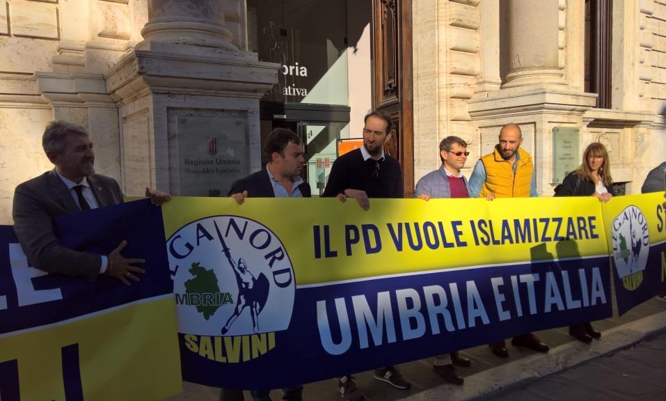 """Bocciata in Consiglio regionale la mozione sulla moratoria per le moschee in Umbria.  Lega Nord: """"Il Pd ha gettato la maschera"""""""