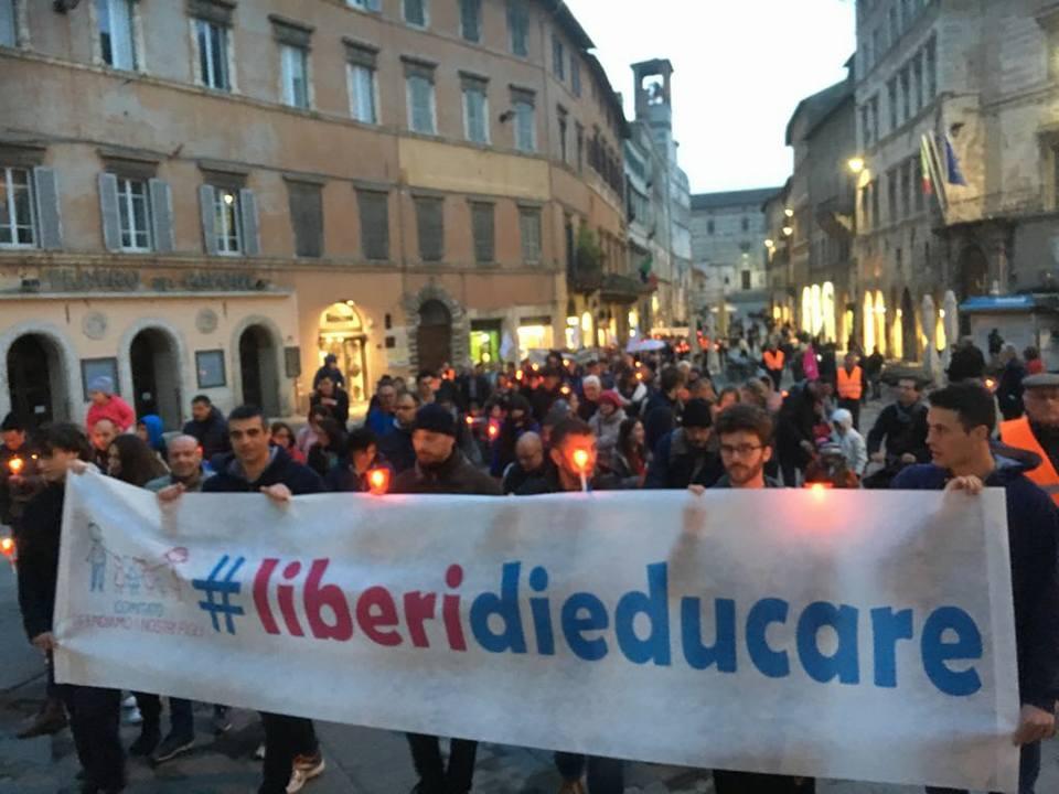 La Lega Nord Umbria presente alla fiaccolata in difesa della famiglia naturale
